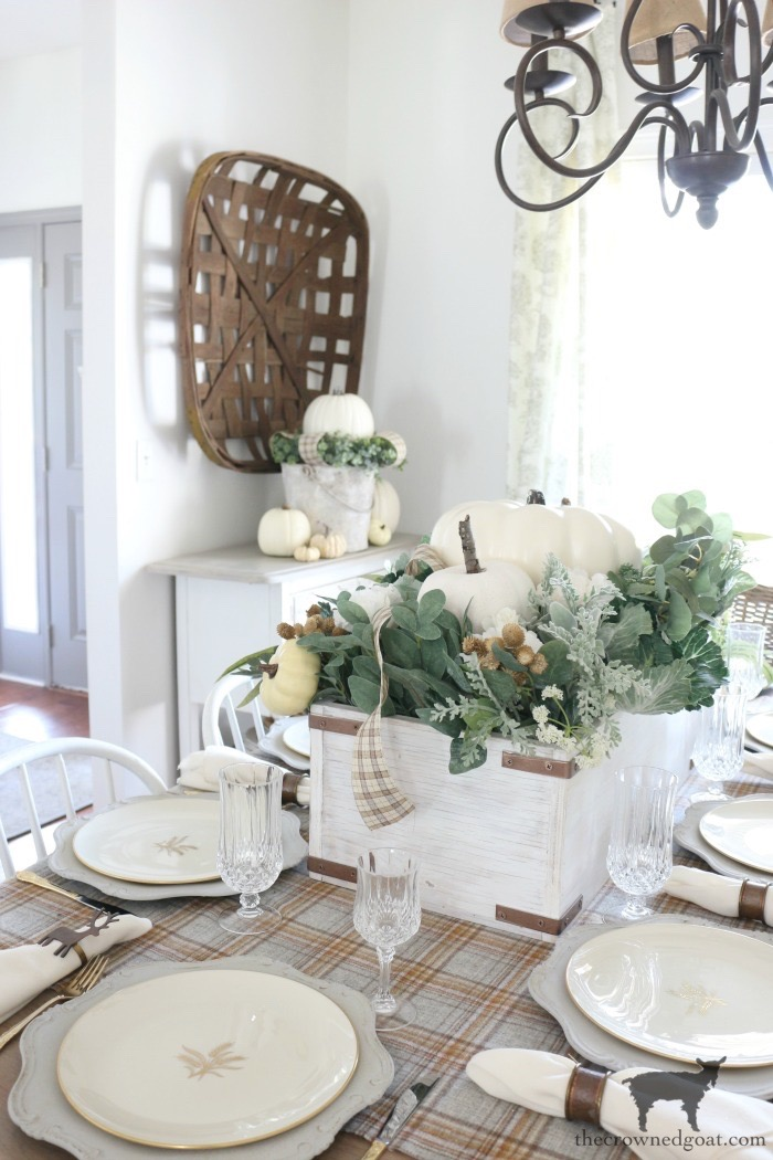 5-Tips-for-an-Easy-Thanksgiving-Tablescape-The-Crowned-Goat-18 5 Tips for an Easy Thanksgiving Tablescape Fall Holidays Thanksgiving