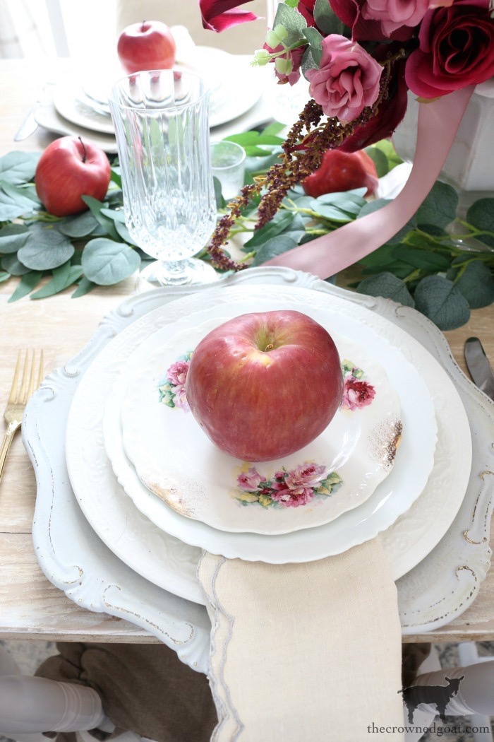 5-Tips-for-an-Easy-Thanksgiving-Tablescape-The-Crowned-Goat-2 5 Tips for an Easy Thanksgiving Tablescape Fall Holidays Thanksgiving