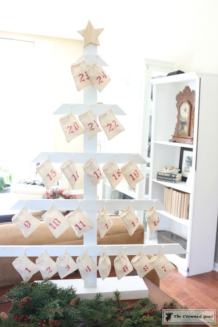 DIY-Farmhouse-Inspired-Advent-Calendar-The-Crowned-Goat-8 Farmhouse Inspired Advent Calendar Christmas