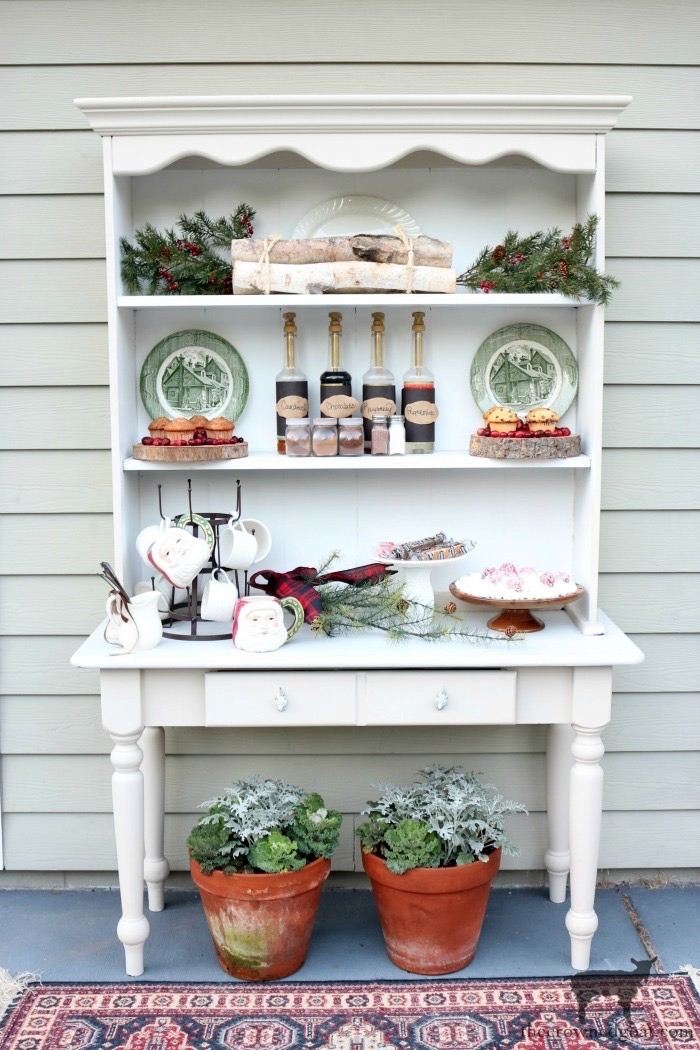 How-to-Create-an-Outdoor-Drink-Station-The-Crowned-Goat-3-1 Creating an Outdoor Drink Station Christmas Holidays