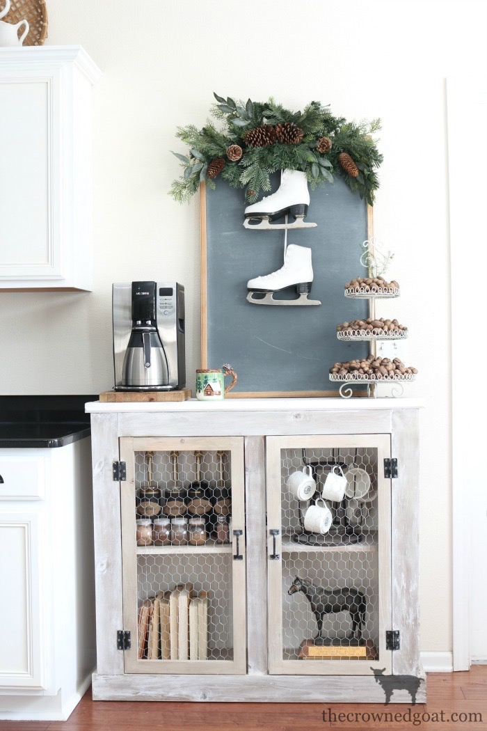 Winter-Decorating-Ideas-The-Crowned-Goat-10 8 Simple Winter Decorating Tips Decorating