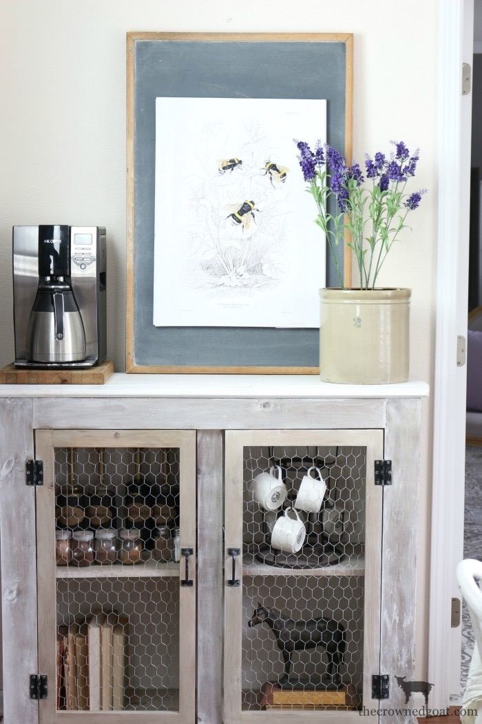 Summer-Decorating-Tips-for-the-Breakfast-Nook-The-Crowned-Goat-12 The Busy Girl's Guide to Summer Decorating: The Breakfast Nook Decorating Summer