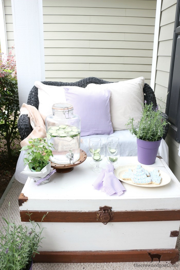 Summer-Front-Porch-Tour-The-Crowned-Goat-18 Summer Front Porch Tour Decorating DIY Summer