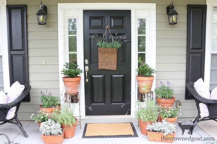 Summer-Front-Porch-Tour-The-Crowned-Goat-20 Summer Front Porch Tour Decorating DIY Summer