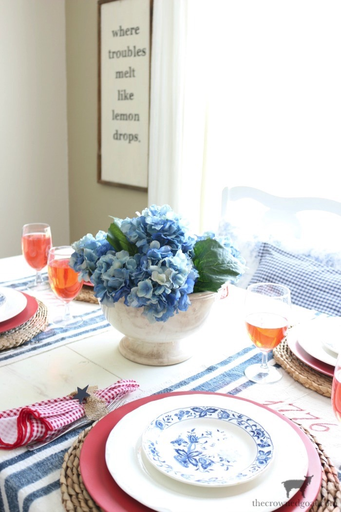 Tips-for-an-Easy-Patriotic-Tablescape-The-Crowned-Goat-3 Tips & Tricks for Patriotic Tablescapes Summer
