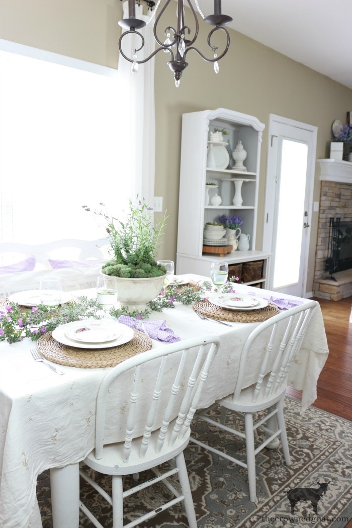 Breakfast-Nook-Makeover-Reveal-The-Crowned-Goat-5 Breakfast Nook Makeover Reveal Decorating DIY
