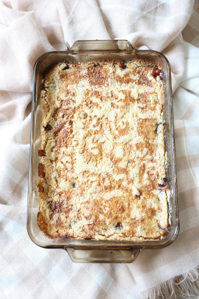 Easy-Salted-Caramel-Apple-Dump-Cake-The-Crowned-Goat-8 The Easiest Salted Caramel Apple Dump Cake Baking