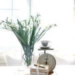 How-to-Create-Easy-Table-Vignettes-The-Crowned-Goat-4 Decorating