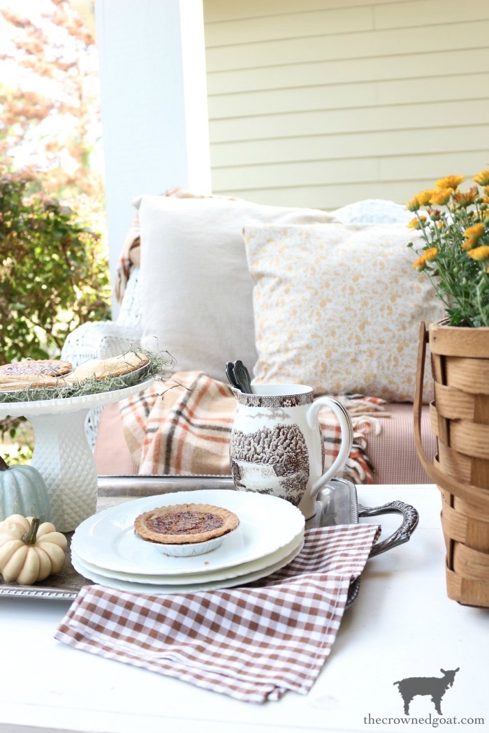Fall-Front-Porch-Tour-The-Crowned-Goat-8 40 Fabulous Fall Bucket List Ideas Fall