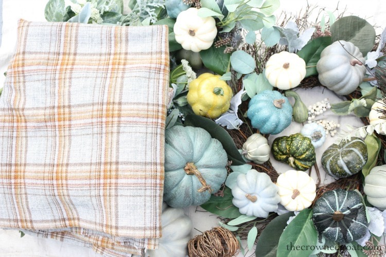 Fall-Inspired-Living-Room-Mantel-The-Crowned-Goat-5 Fall Inspired Living Room and Mantel Decorating DIY Fall