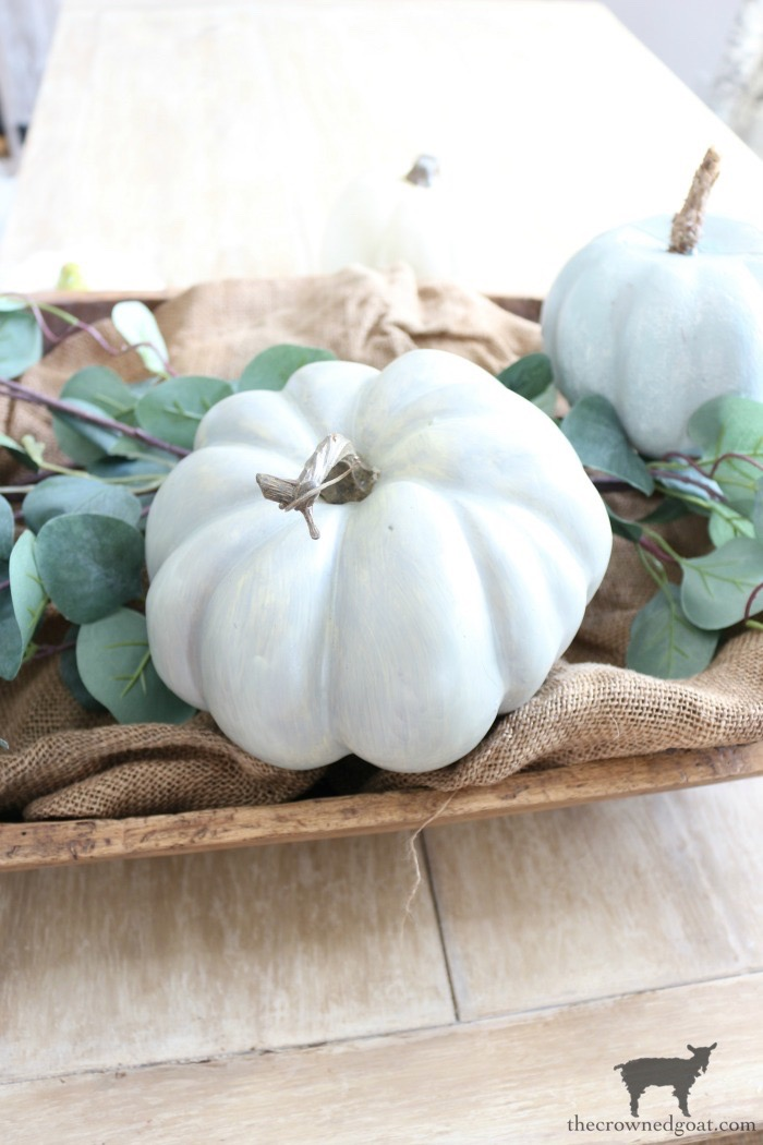 Creating-an-Heirloom-Pumpkin-Centerpiece-The-Crowned-Goat-6 Quick & Easy Heirloom Pumpkin Centerpiece Decorating DIY Fall