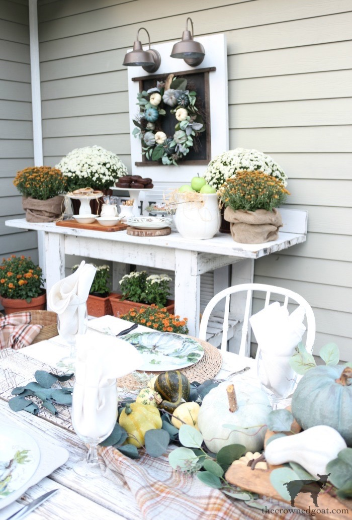 Fall-Inspired-Outdoor-Tablescape-The-Crowned-Goat-13 Fall Inspired Outdoor Tablescape Decorating DIY Fall