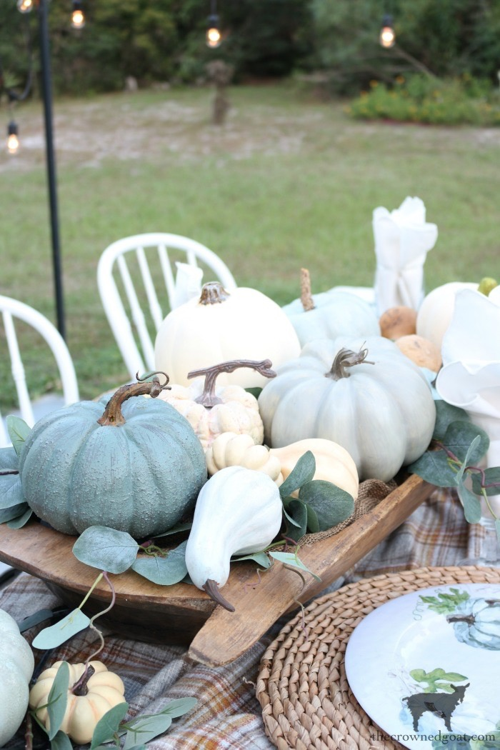 Fall-Inspired-Outdoor-Tablescape-The-Crowned-Goat-4 Fall Inspired Outdoor Tablescape Decorating DIY Fall
