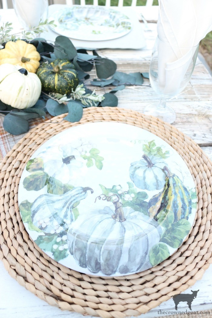 Fall-Inspired-Outdoor-Tablescape-The-Crowned-Goat-7 Fall Inspired Outdoor Tablescape Decorating DIY Fall