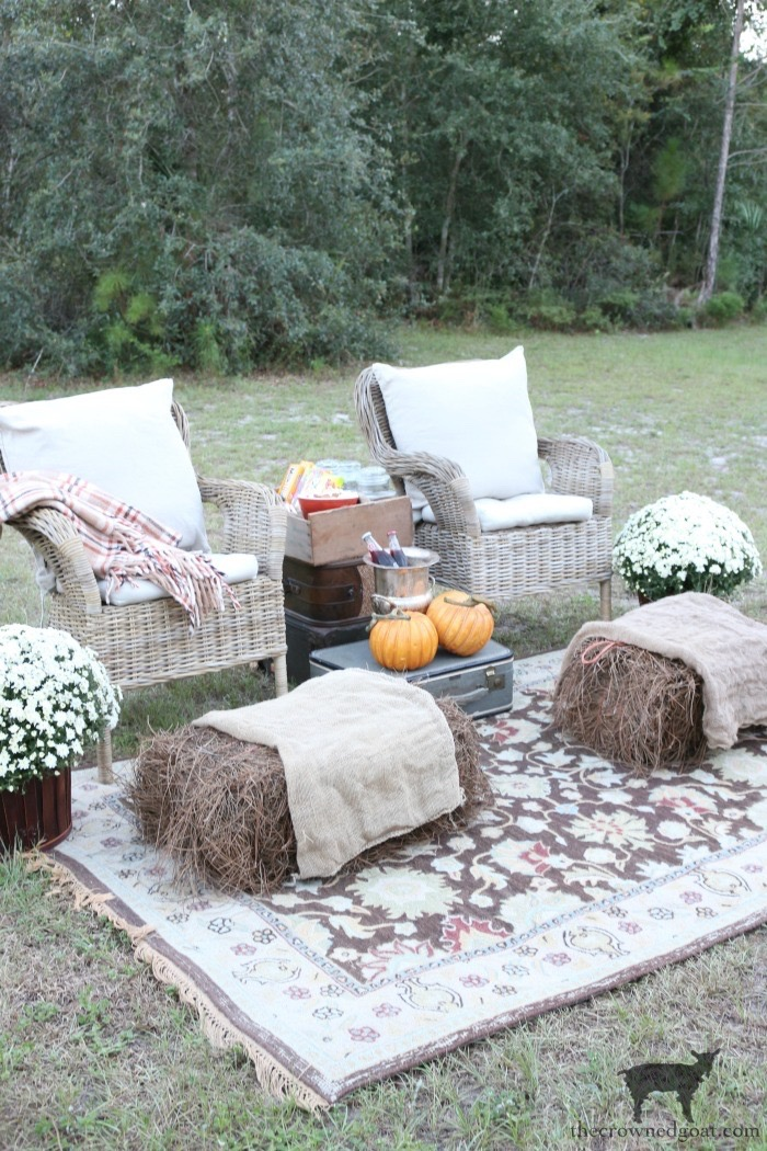 Fall-Outdoor-Movie-Night-The-Crowned-Goat-11 Outdoor Movie Night & Fall Popcorn Recipe DIY Fall