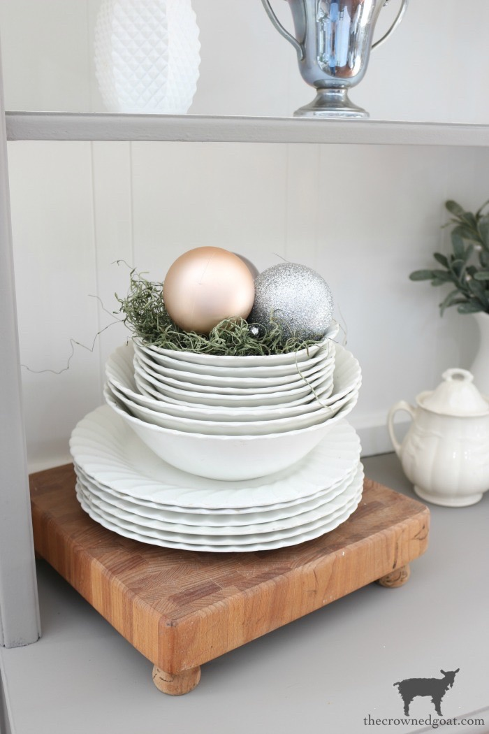 Christmas-Tablescape-Tips-The-Crowned-Goat-16 5 Christmas Tablescape Tips for the Breakfast Nook Christmas Holidays