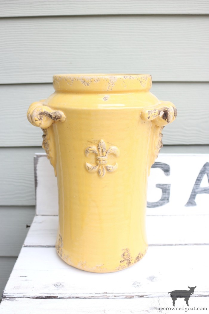 Quick-and-Easy-Vase-Makeover-The-Crowned-Goat-1 Quick & Easy Vase Makeover Decorating DIY