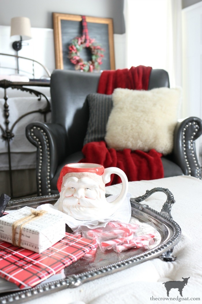 Stress-Free-Holiday-Decorating-Steps-The-Crowned-Goat-17 10 Steps to Stress-Free Holiday Decorating Holidays