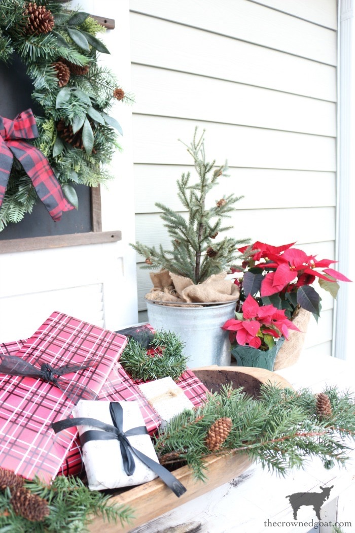 Stress-Free-Holiday-Decorating-Steps-The-Crowned-Goat-22 10 Steps to Stress-Free Holiday Decorating Holidays
