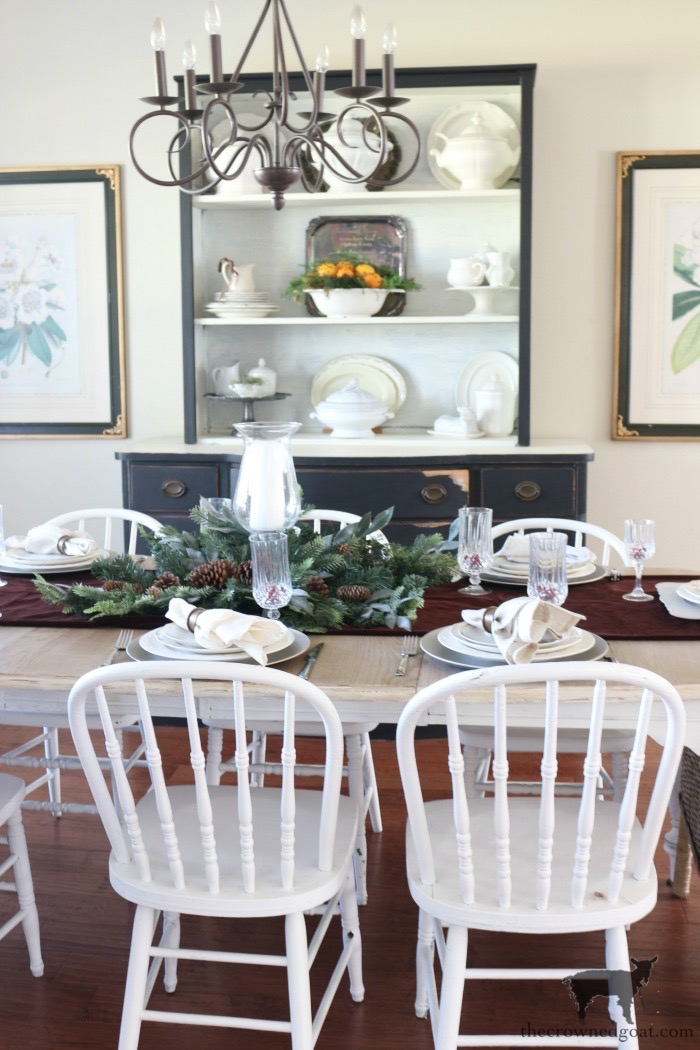 Stress-Free-Holiday-Decorating-Steps-The-Crowned-Goat-8 10 Steps to Stress-Free Holiday Decorating Holidays