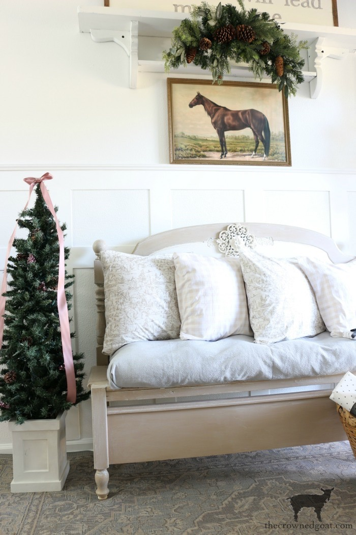Christmas-Entry-Decorating-Ideas-The-Crowned-Goat-6 Christmas Inspired Entry Christmas Holidays