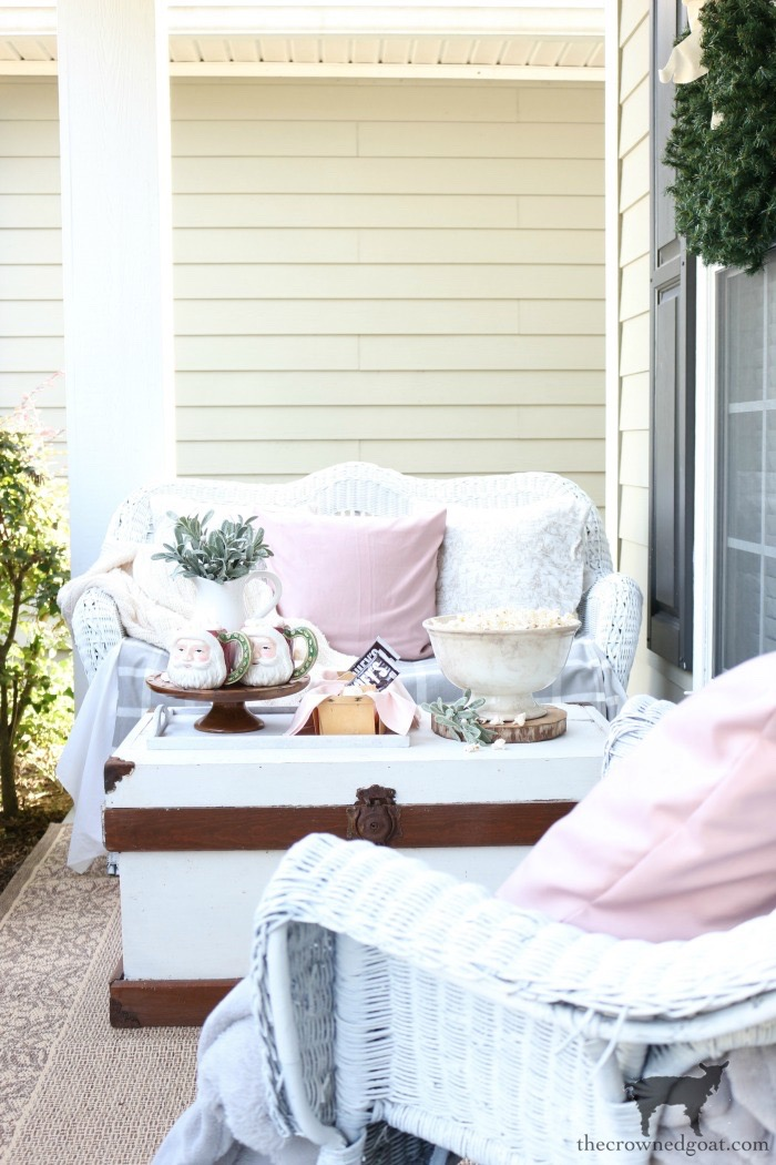 Christmas-Front-Porch-Decorating-Ideas-The-Crowned-Goat-13 Christmas on the Front Porch Christmas Holidays