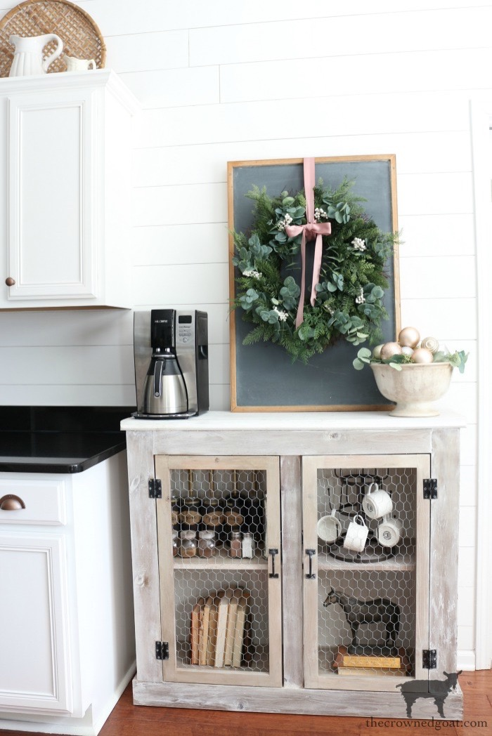 Simple-Christmas-Kitchen-Ideas-The-Crowned-Goat-2 Christmas Inspired Kitchen Christmas Holidays