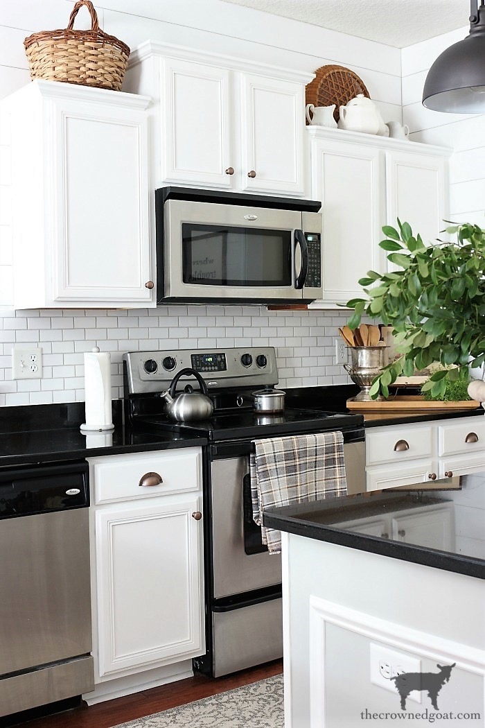 How-to-Create-Work-Zones-in-the-Kitchen-The-Crowned-Goat-1 How to Organize Your Kitchen into Work-Friendly Zones DIY Organization
