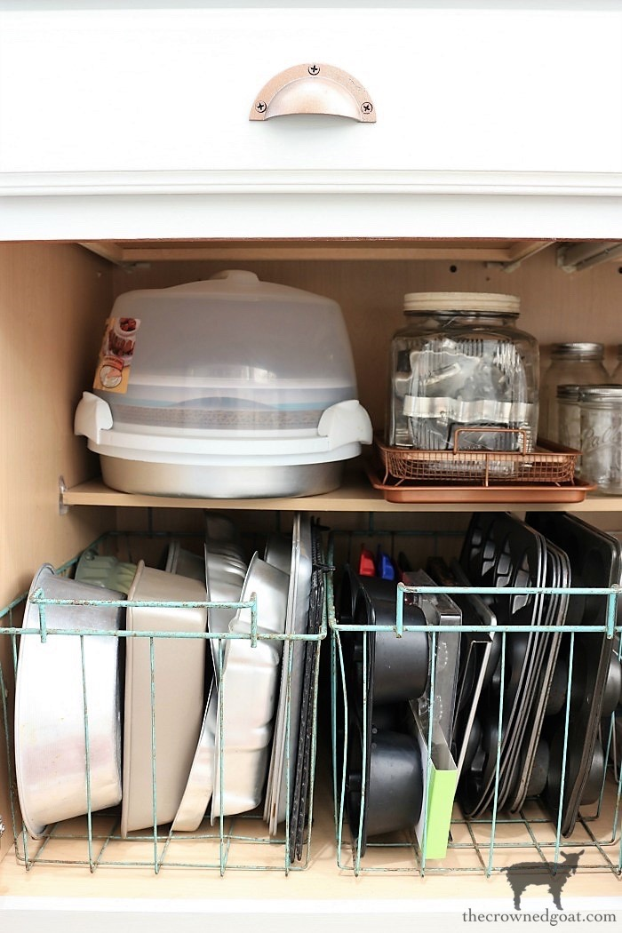 How-to-Create-Work-Zones-in-the-Kitchen-The-Crowned-Goat-10 How to Organize Your Kitchen into Work-Friendly Zones DIY Organization