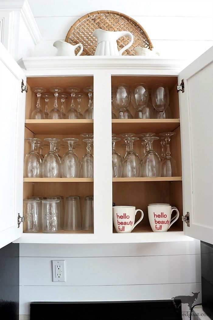 How-to-Create-Work-Zones-in-the-Kitchen-The-Crowned-Goat-16 How to Organize Your Kitchen into Work-Friendly Zones DIY Organization