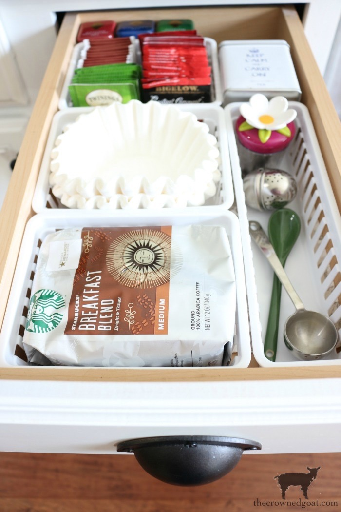 How-to-Create-Work-Zones-in-the-Kitchen-The-Crowned-Goat-18 How to Organize Your Kitchen into Work-Friendly Zones DIY Organization