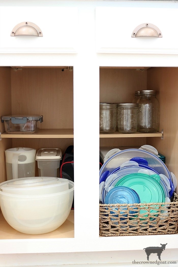 How-to-Create-Work-Zones-in-the-Kitchen-The-Crowned-Goat-20 How to Organize Your Kitchen into Work-Friendly Zones DIY Organization