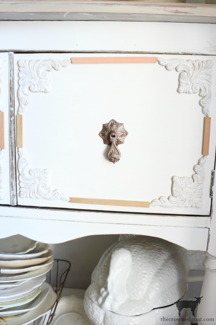 Dining-Room-Buffet-Makeover-The-Crowned-Goat-3-1 Dining Room Buffet Makeover Decorating DIY Painted Furniture