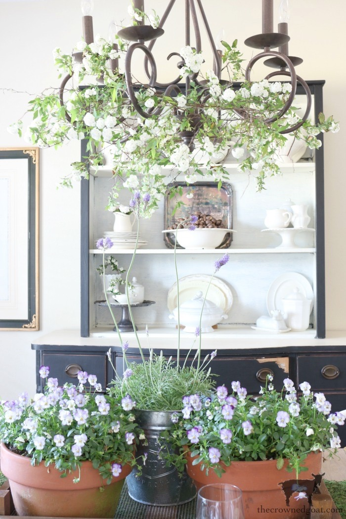 Easy-Ways-to-Decorate-for-Spring-The-Crowned-Goat-7 19 Quick and Easy Spring Decorating Ideas Decorating Spring