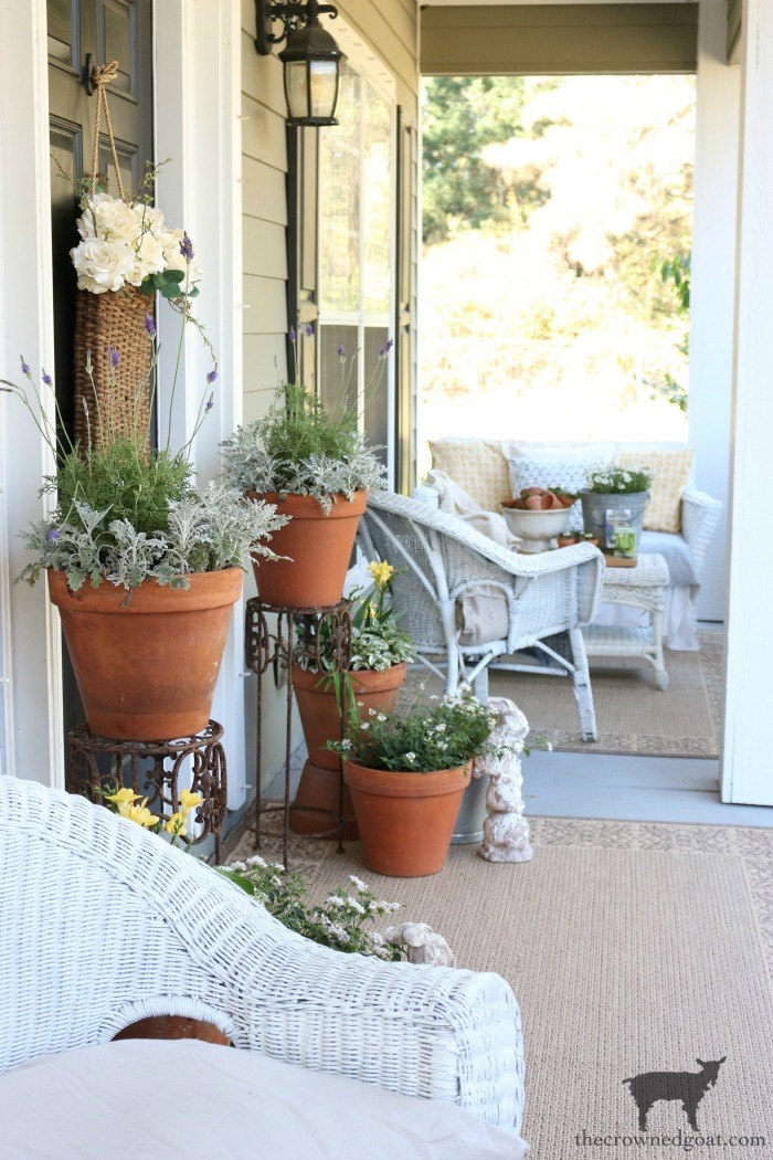 Spring-Front-Porch-Ideas-and-Blog-Hop-The-Crowned-Goat-1 Spring Front Porch Inspiration & Blog Hop Decorating DIY Holidays Spring