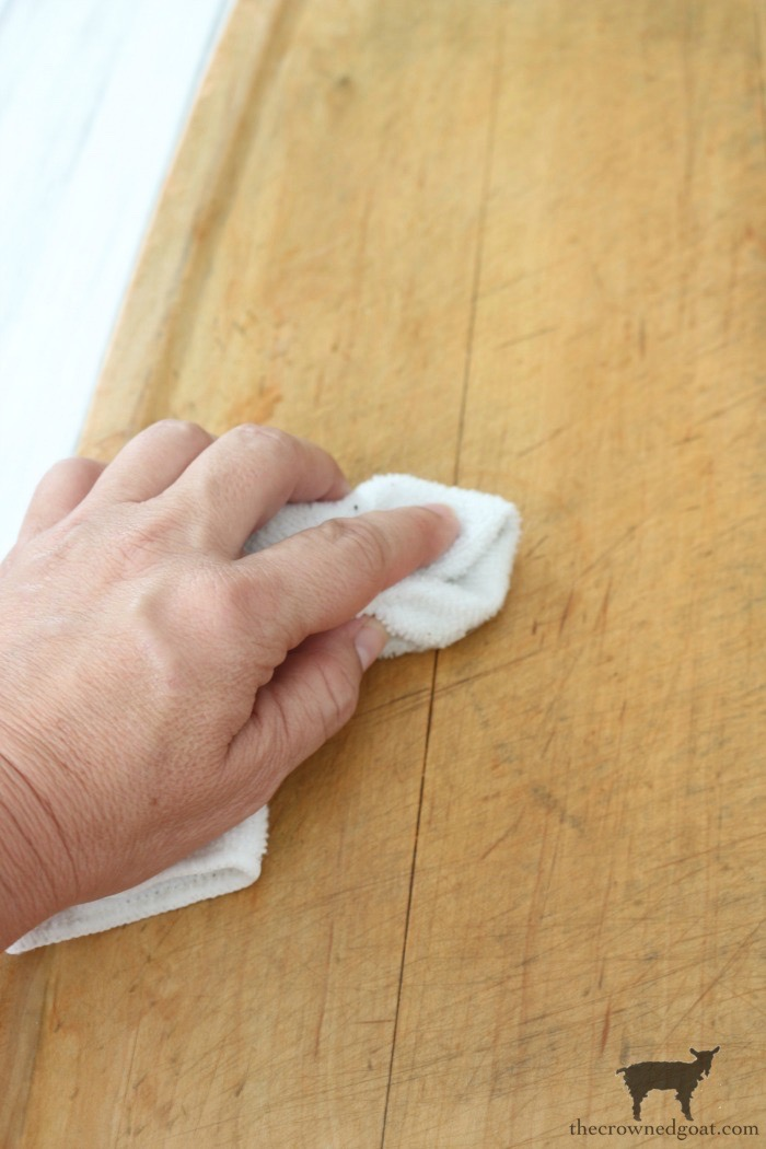 How-to-Clean-and-Restore-Vintage-Cutting-Boards-The-Crowned-Goat-4 How to Clean and Restore Vintage Cutting Boards DIY Thrifted Finds
