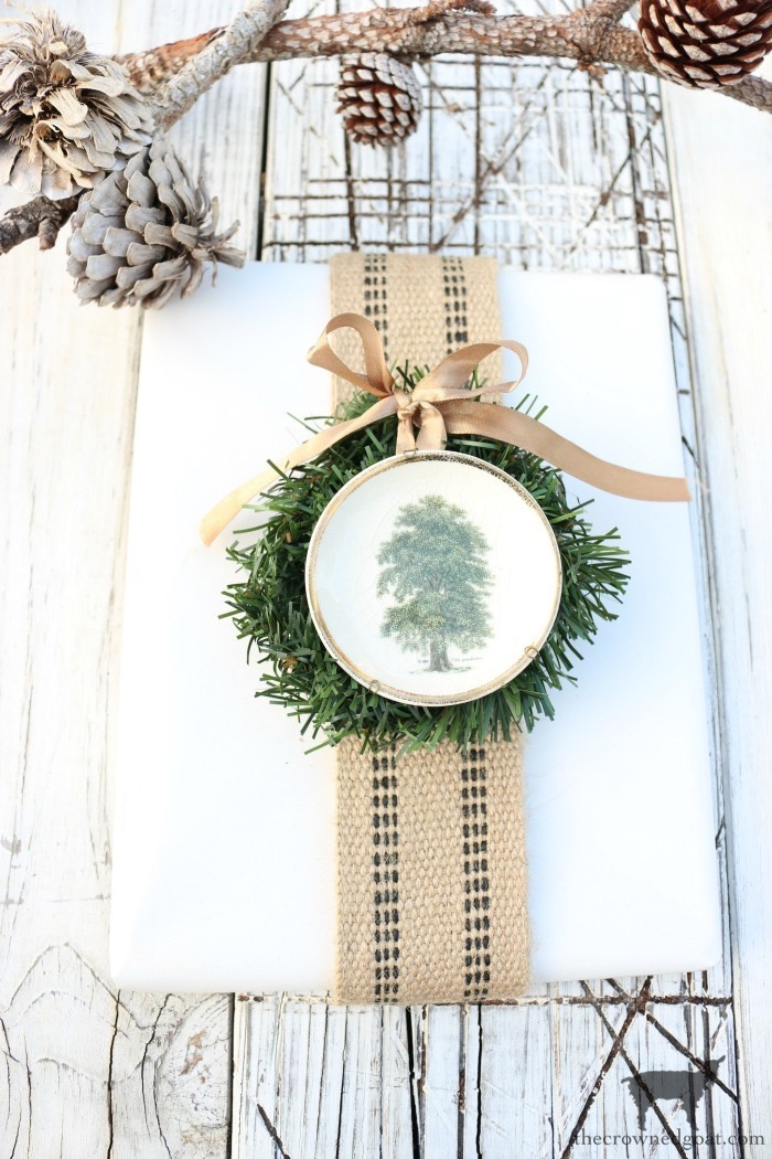 Simple-Ways-to-Prep-for-the-Holidays-The-Crowned-Goat-25 Simple Ways to Prepare Now for the Holidays Decorating DIY Holidays