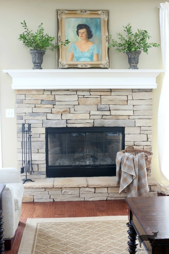 Creating-an-Easy-Fall-Mantel-The-Crowned-Goat-1 5 Steps to Creating an Easy Fall Mantel Fall
