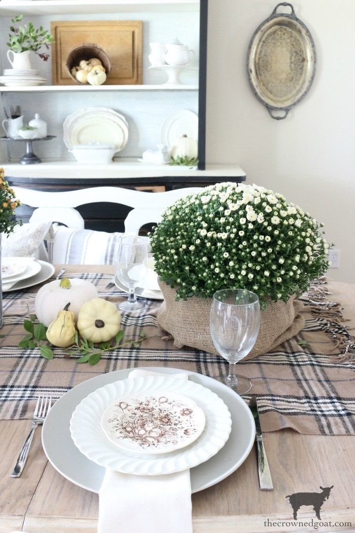 Easy-Fall-Tablescape-Ideas-The-Crowned-Goat-2 Easy Fall Tablescape Ideas Decorating Fall Holidays