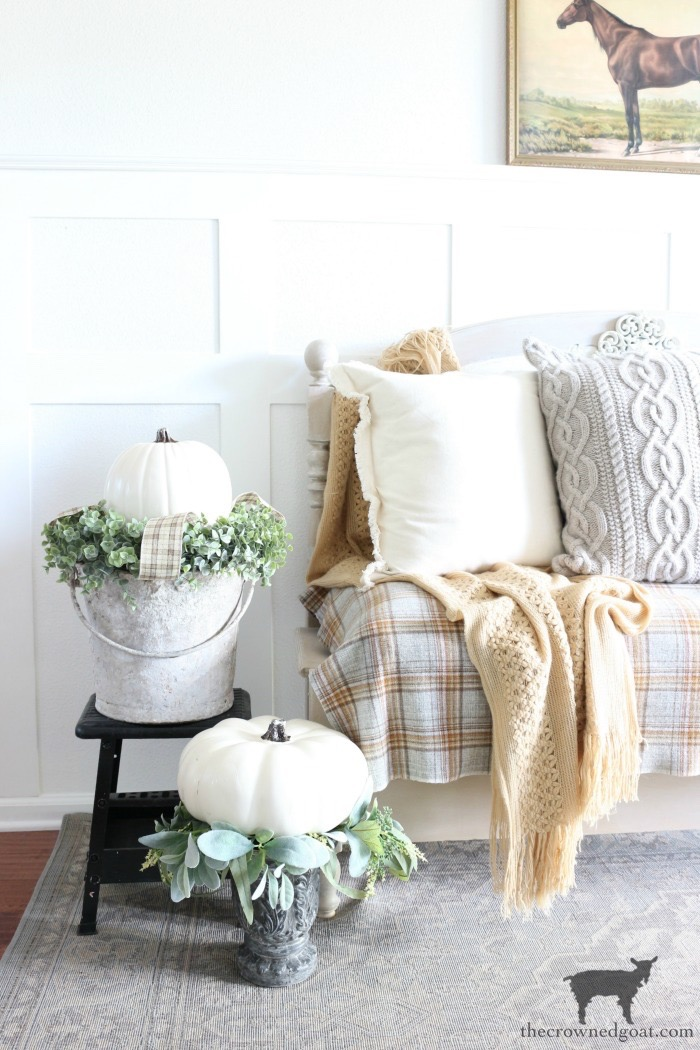 Fall-Entry-Decorating-Ideas-The-Crowned-Goat-12 Fall Entry Decorating Ideas Decorating Fall Holidays