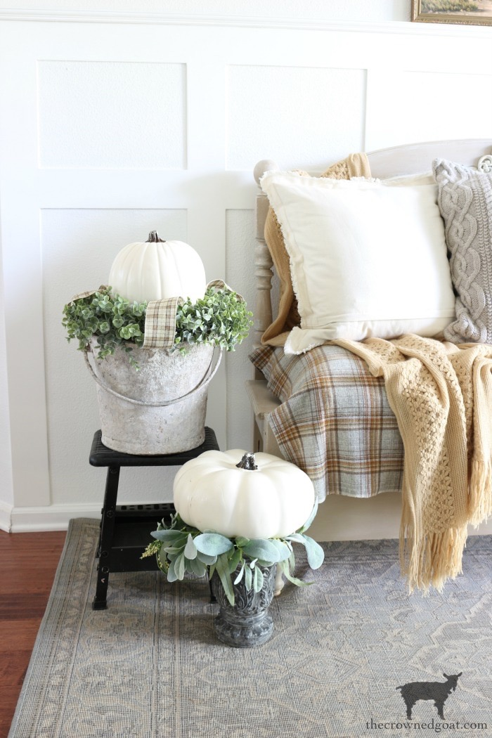Fall-Entry-Decorating-Ideas-The-Crowned-Goat-9 Fall Entry Decorating Ideas Decorating Fall Holidays
