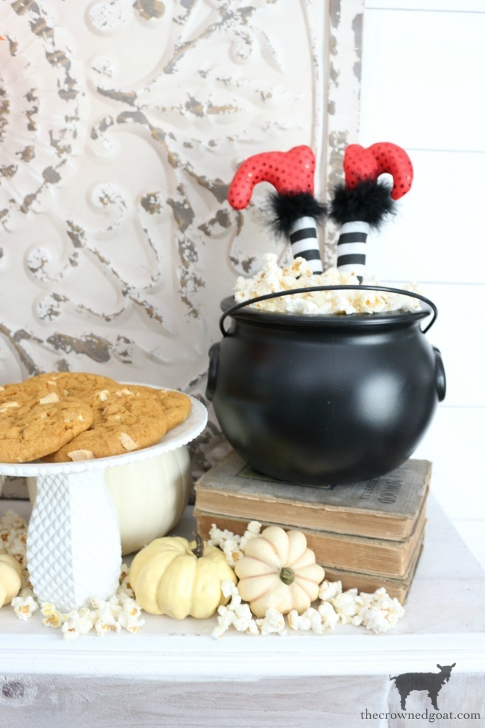 Fast-and-Easy-Halloween-Treats-The-Crowne-Goat-12 Fast and Easy Halloween Treat Station Crafts Fall Holidays