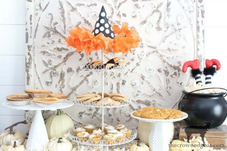 Fast-and-Easy-Halloween-Treats-The-Crowne-Goat-22 Fast and Easy Halloween Treat Station Crafts Fall Holidays