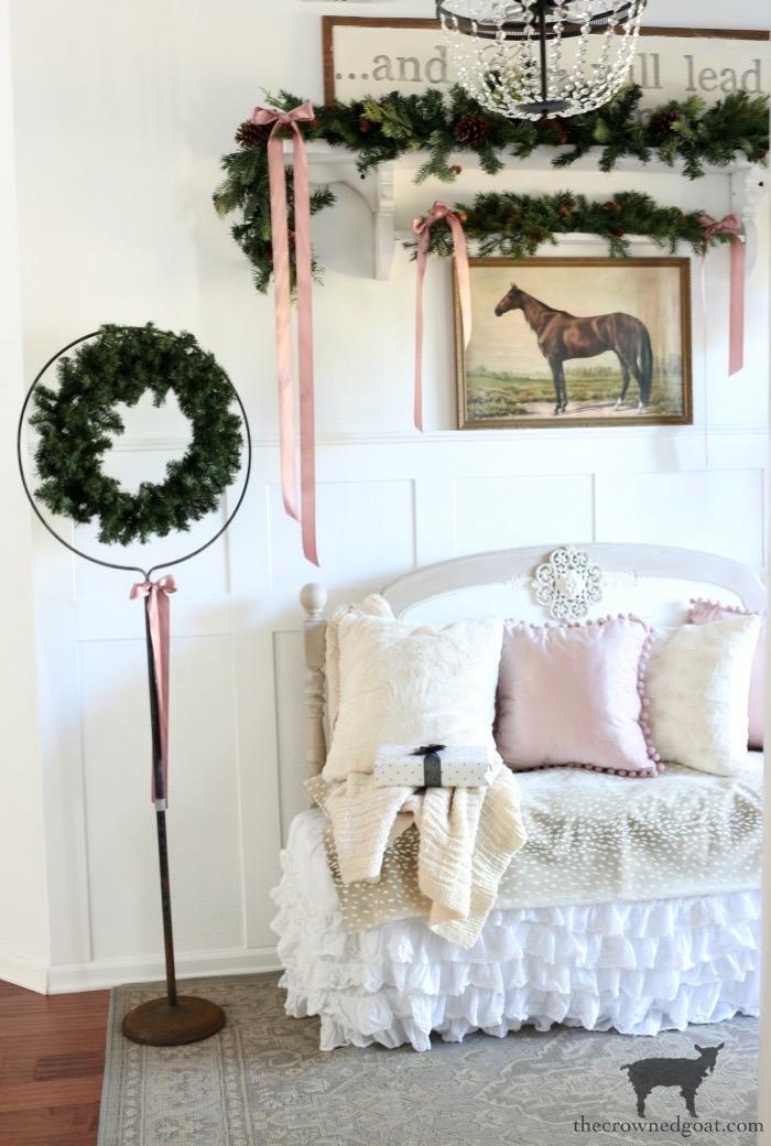 Soft-and-Romantic-Farmhouse-Christmas-Entry-The-Crowned-Goat-2 Soft & Romantic Farmhouse Christmas Entry Christmas Holidays
