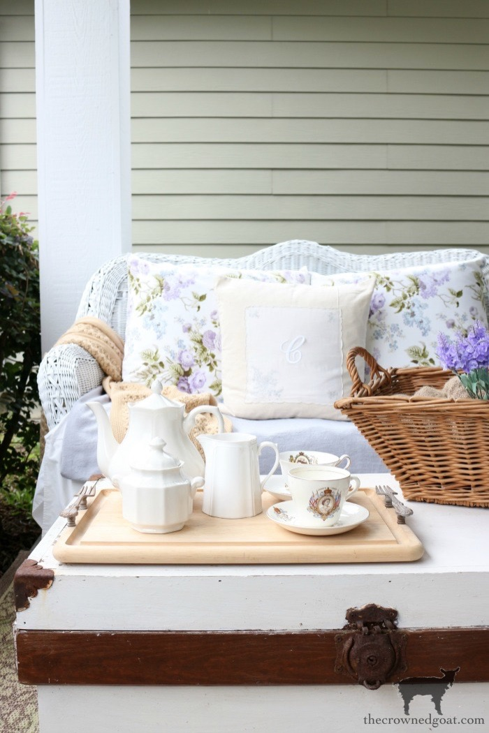 Summer-Porch-Tour-The-Crowned-Goat-18 Cottage Inspired Summer Porch Tour Decorating DIY Summer