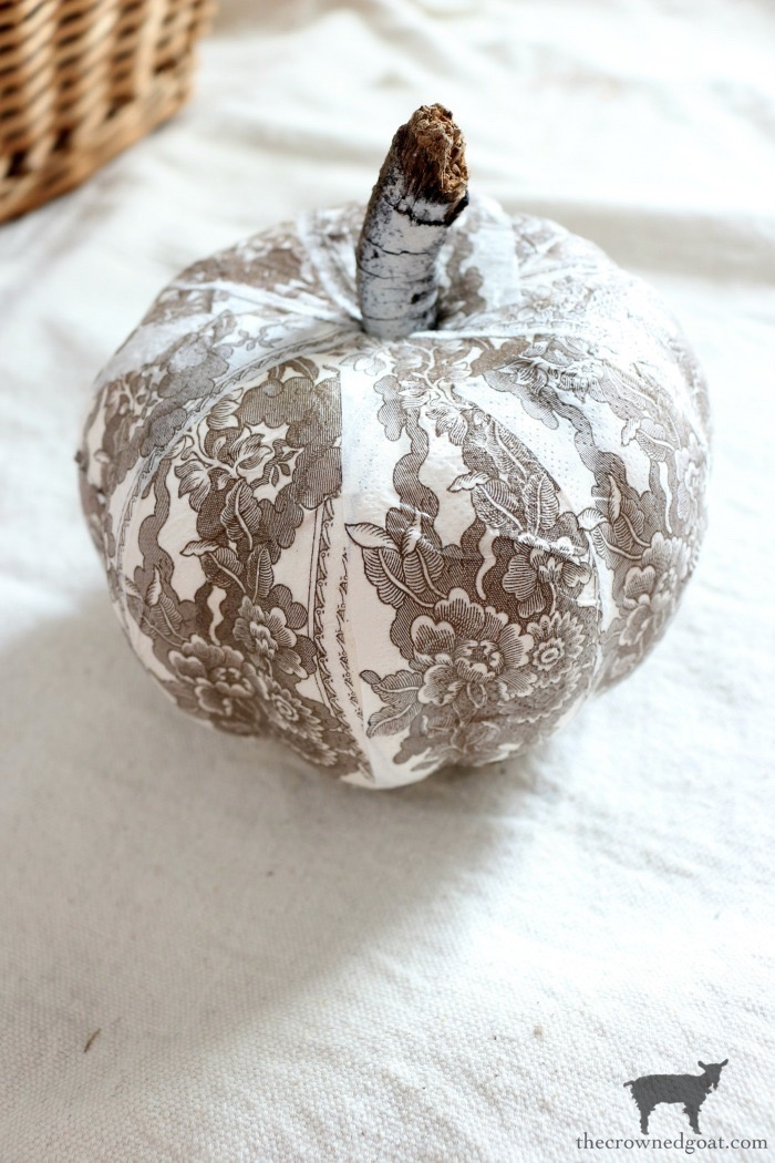 DIY-Brown-and-White-Transferware-Pumpkins-The-Crowned-Goat-14 Brown and White Transferware Pumpkins Crafts Fall Holidays