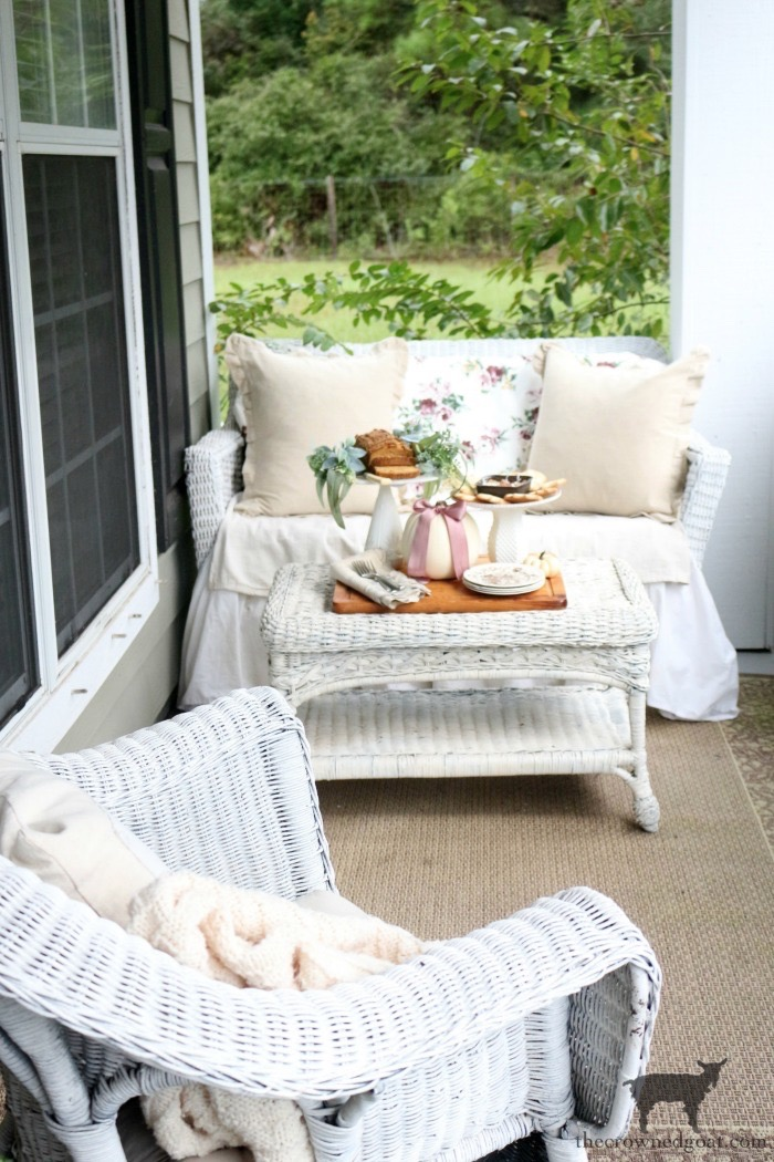 Elegant-Fall-Front-Porch-The-Crowned-Goat-11 Elegant Fall Home Tour Fall Holidays