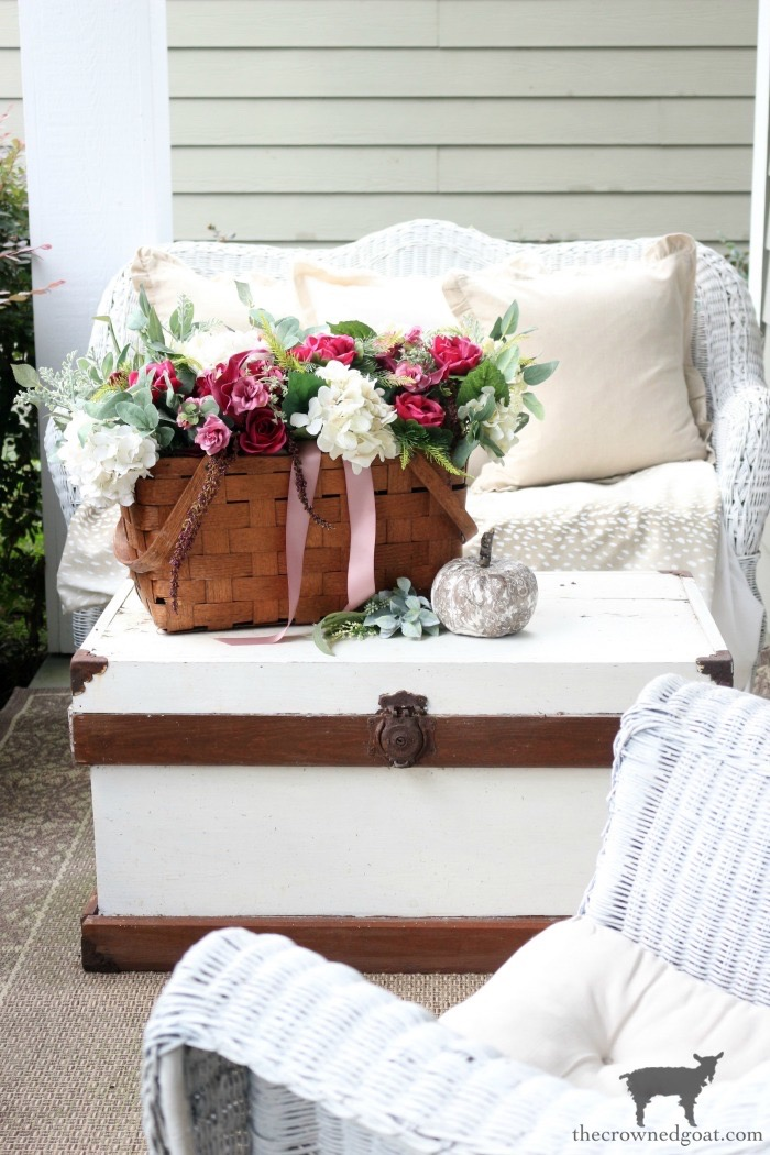 Elegant-Fall-Front-Porch-The-Crowned-Goat-7 Elegant Fall Front Porch Fall Holidays