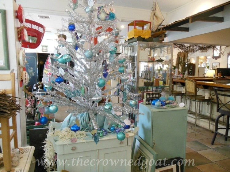 Christmas at The Pickers Market Booth