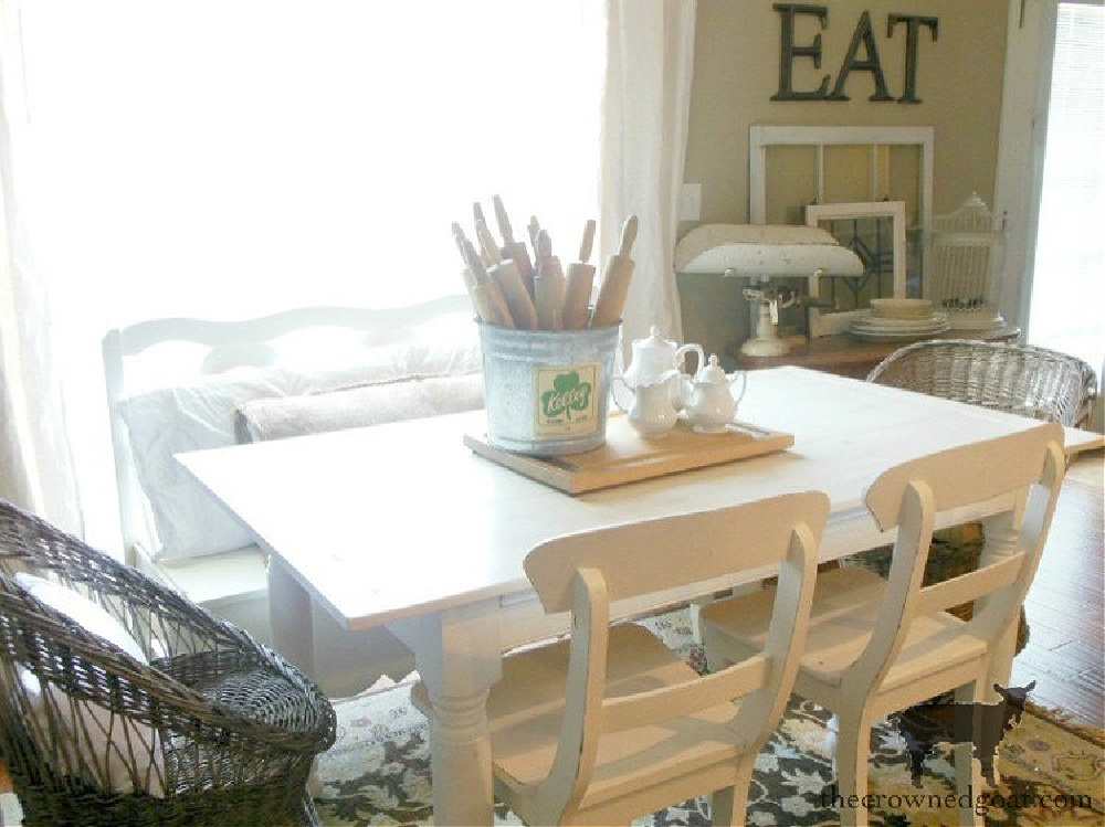 Breakfast Nook Decorated in Farmhouse Style-The Crowned Goat